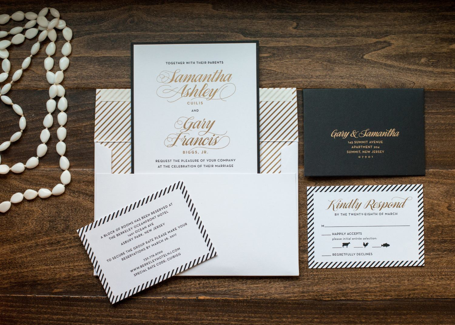 VINTAGE MONOGRAM WEDDING INVITATIONS PHOTO 2
