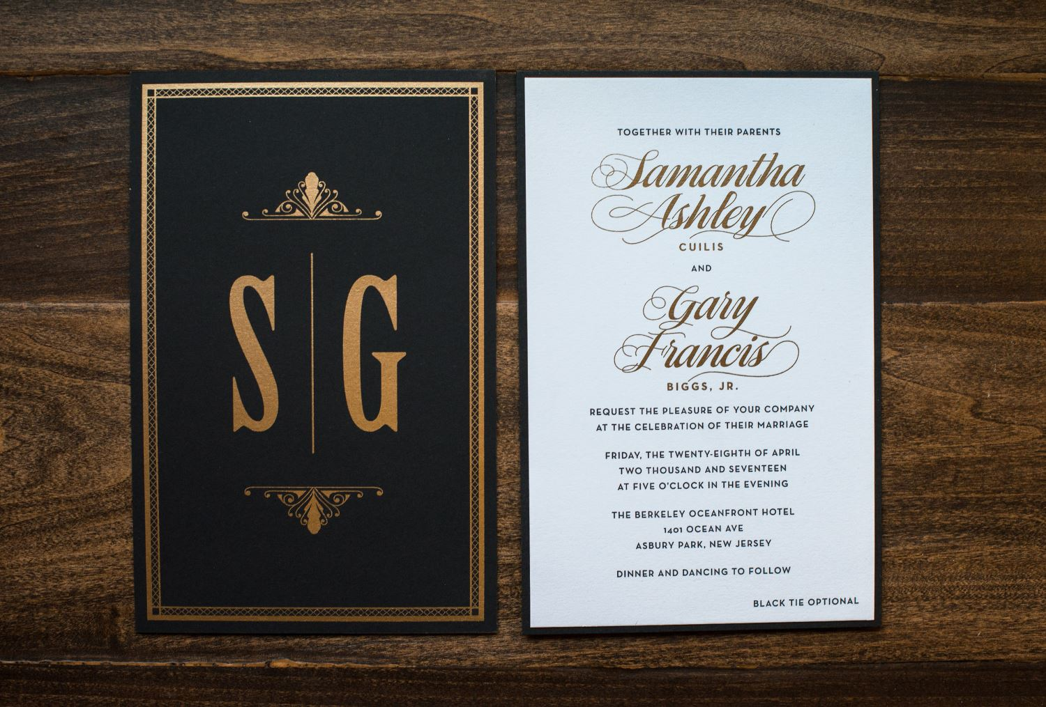 VINTAGE MONOGRAM WEDDING INVITATIONS